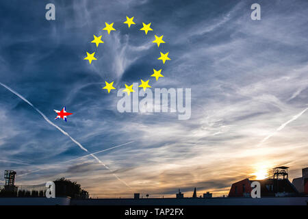 Germany, Berlin, Mitte. 27th May 2019. The EU election results are in and the sun sets over the city...Time to catch a falling star? Credit: Eden Breitz/Alamy - Stock Image