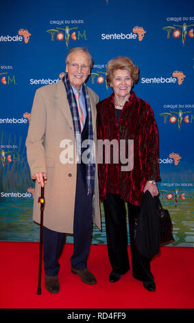 London, United Kingdom. 16 January 2019. Nicholas Parsons arrives for the red carpet premiere of Cirque Du Soleil's 'Totem' held at The Royal Albert Hall. Credit: Peter Manning/Alamy Live News - Stock Image