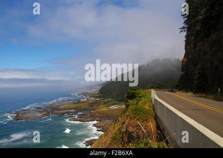 Highway 101 along the coastline in Oregon, USA - Stock Image