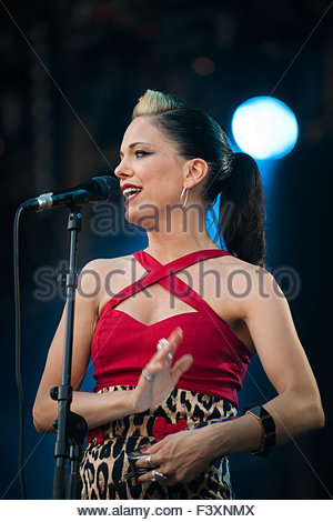 Imelda May performing live - Stock Image