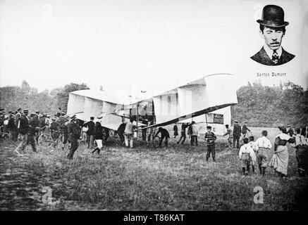 The 14 bis canard biplane aeroplane, made and flown by Albert Santos Dumont in France in 1906. The 14-bis performed the first powered flight made anywhere outside of the United States. - Stock Image