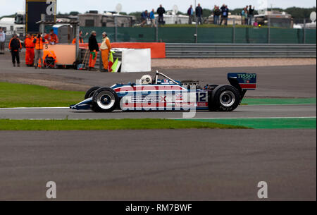 Steve Brooks driving a 1980, Lotus 81, in the FIA Masters Formula One Race at the 2017 Silverstone Classic - Stock Image