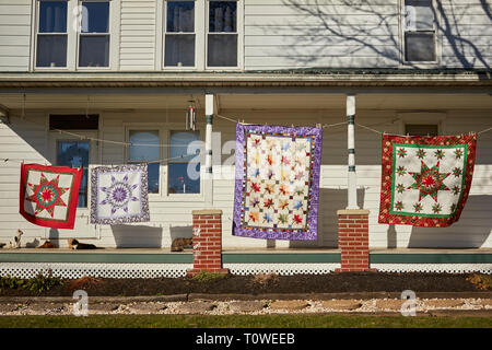 A Roadside quilt shop in Amish Country, Lancaster County, Pennsylvania, USA - Stock Image