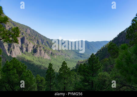 Looking south along the volcanic ridge in La Palma, Canary Islands, Spain - Stock Image