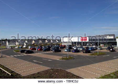 Home Bargains store on the old Rolls-Royce site in East Kilbride, Scotland, UK. - Stock Image