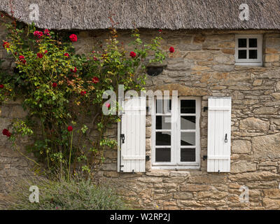 old house in saint lyphard (France) with a thatched roof - Stock Image