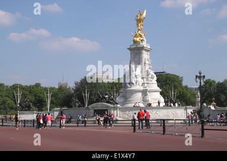 Queen Victoria Memorial London - Stock Image