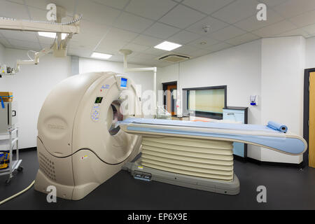 MRI scanner Magnetic Resonance Imaging Hospital Medical Imaging department in hospital - Stock Image