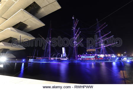 V&A Design Museum and RRS Discovery by night Dundee Scotland  February 2019 - Stock Image