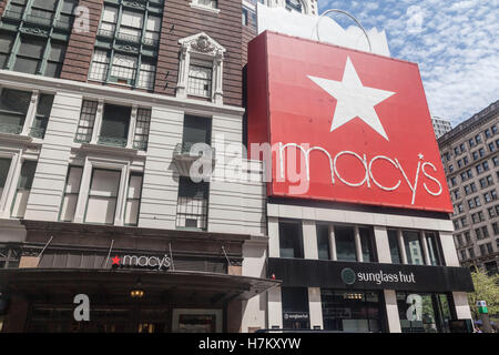 Macys Megastore New York City - Stock Image