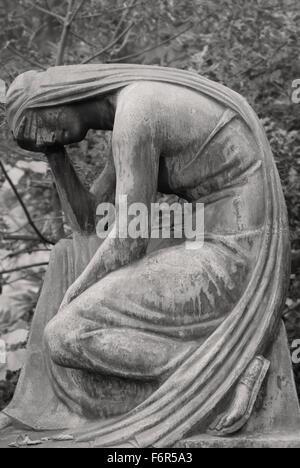 Anguish - Graveyard Tomb Sculpture - Stock Image