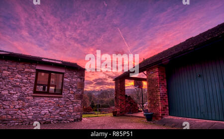 Hatfield Farm, Wirksworth, Derbyshire. 11th Dec 2018. UK Weather: UK Weather: spectacular sunrise Hatfield Farm, Wirksworth in the Derbyshire Dales, Peak District National Park Credit: Doug Blane/Alamy Live News - Stock Image