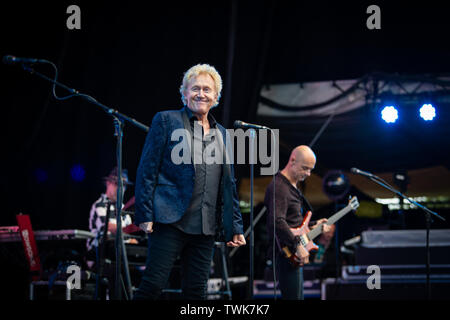 Oslo, Norway. 20th June, 2019. Oslo, Norway - June 20th, 2019. The English rock band Manfred Mann's Earth Band performs a live concert during the Norwegian music festival OverOslo 2019 in Oslo. Here singer Robert Hard is seen live on stage. (Photo Credit: Gonzales Photo/Alamy Live News - Stock Image