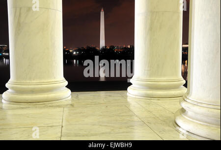 Washington Monument from Thomas Jefferson Memorial at Night - Stock Image