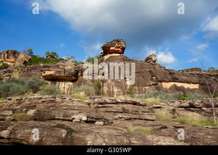 View of the rocks with cave paintings known as the 'Mountford Site' near East Alligator River, West Arnhem - Stock Image