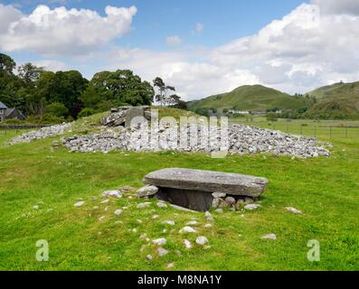 Nether Largie South. Looking north over side cist to Clyde type Neolithic chambered cairn. Oldest monument of the - Stock Image