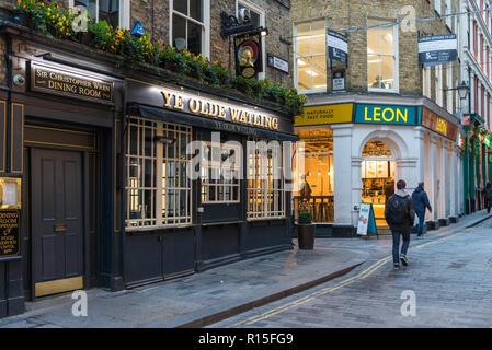 Ye Olde Watling pub in Watling Street, City of London, England, UK - Stock Image