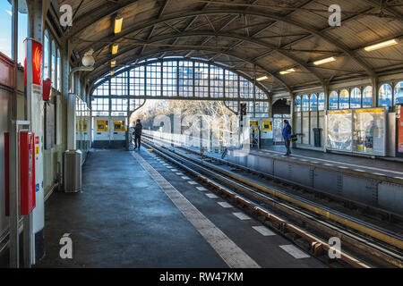 Berlin Kreuzberg Prinzenstrasse U-Bahn Underground railway station  on raised viaduct. Platform & railway tracks - Stock Image