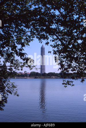 washington DC monument framed by a tree branch - Stock Image