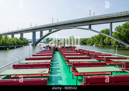 Boat Tours to Veitshöchheim and the Rococo Gardens down the Main River - Stock Image