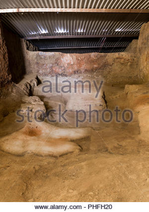 Ox-hide shaped altars room at Archaeological excavation of Turuñuelo, Guareña, Spain - Stock Image
