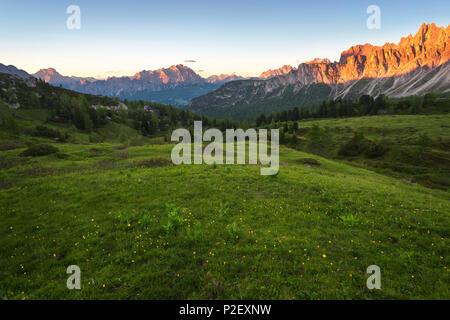 Sunset, Alpenglow, Passo Giau, Monte Cristallo, Formin, Dolomites, Alps, Italy, Europe - Stock Image