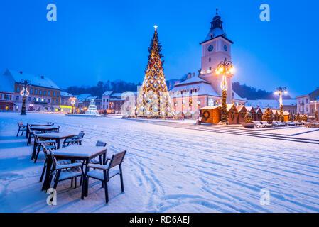Brasov, Romania. Christmas Market with Xmas Tree and lights Transylvania landmark, Eastern Europe - Stock Image