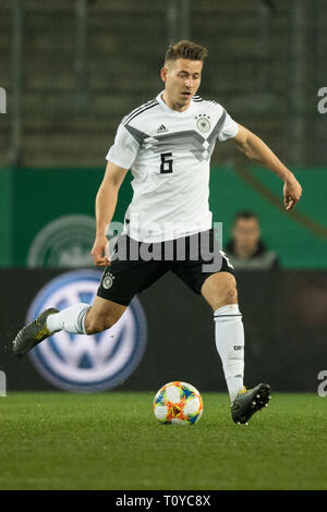 Eat, Deutschland. 22nd Mar, 2019. Waldemar ANTON (GER) with Ball, Single Action with Ball, Action, Full Figure, Vertical, Soccer Laender, U21, Friendly Match, Germany (GER) - France (FRA) 2: 2, on 21.03.2019 in Essen/Germany. ¬ | usage worldwide Credit: dpa/Alamy Live News - Stock Image