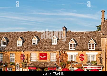 Stow-on-the Wold (Cotswolds, England): Market Place, Marktplatz - Stock Image