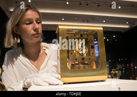 Bonhams London, 17th June 2019. Bonhams photocall of the World's Most valuable clocks from the Clive Collection to appear at auction at Bonhams New Bond Street Credit: amer ghazzal/Alamy Live News - Stock Image