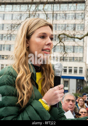 London, UK. 26th January 2019. London protest against the intended resumption of whaling by Japan.The Japanese government recently backed out of an international agreement banning commercial whaling. Campaigners rally at Cavendish Square for the march to the Japanese Embassy. Boris Johnsons current girlfriend Carrie Symonds addressing the assembled crowd. Credit: Stephen Bell/Alamy Live News. - Stock Image
