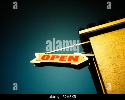 Open sign vintatge on route 66 shop - Stock Image