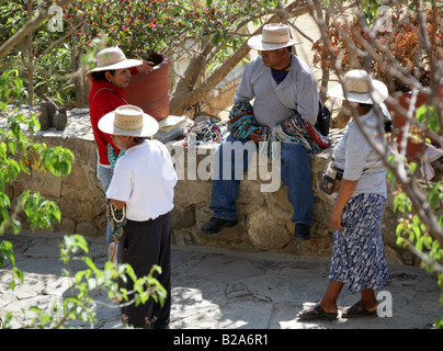 Mexican Bead Sellers, Monte Alban, Nr Oaxaca, Mexico - Stock Image