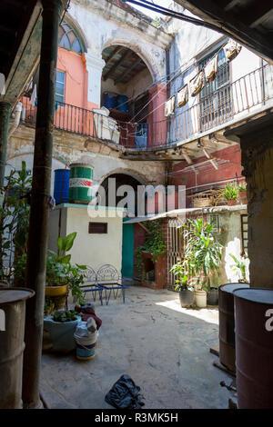 Cuba, Havana. Typical apartment courtyard. Credit as: Wendy Kaveney / Jaynes Gallery / DanitaDelimont.com - Stock Image