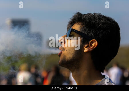 Hyde Park, London, UK 20 Apr 2019 - Tens of thousands of revellers gather to smoke cannabis in London's Hyde Park without been arrested by the police as part of '4/20 Day', an unofficial International Weed Day event taking place on every year on 20 April. Attendees are calling on the Government to decriminalise Class B drug and raise awareness about the drug.  Credit: Dinendra Haria/Alamy Live News - Stock Image