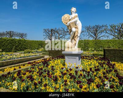 Herrenhaeuser Gaerten, park at castle Herrenhausen, spring, flowers,  Hannover, Germany - Stock Image