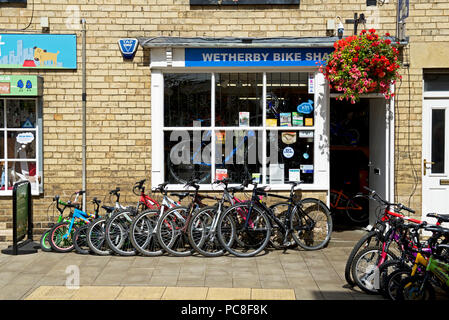 Bicycle shopi in Wetherby, West Yorkshire, England UK - Stock Image