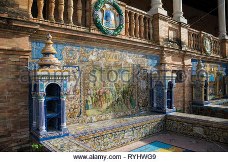 Ceramic tiled alcoves at the Plaza de España - Stock Image