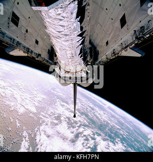 The 50,000lb Chandra X-ray Observatory before it was tilted upward for its release from the Space Shuttle Columbia's - Stock Image