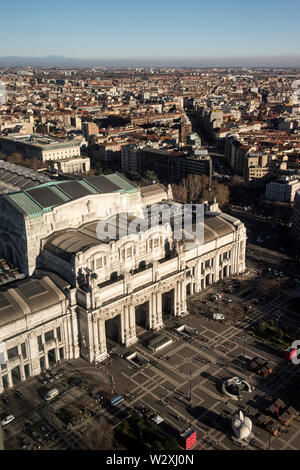 Italy, Lombardy, Milan, Central Train Station from Enzo Jannacci Belvedere in Pirelli skyscraper - Stock Image