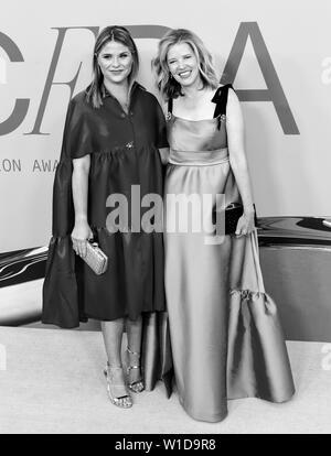 New York, NY - June 03, 2019: Jenna Bush and Lela Rose attend 2019 CFDA Fashion Awards at Brooklyn Museum - Stock Image