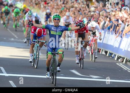 London, UK.  11th September 2016. Tour of Britain stage 8, circuit race.  Caleb Ewan wins the final stage Credit: - Stock Image