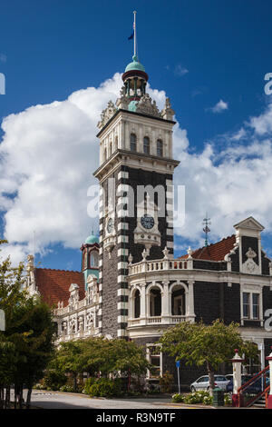 New Zealand, South Island, Otago, Dunedin, Dunedin Railway Station, built 1906, exterior - Stock Image