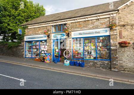 E Atkinson and Sons toy shop, Lake Road, Bowness-on-Windermere, Cumbria. The retail toy shop is also the base for Toys-Hobbies.co.uk. - Stock Image