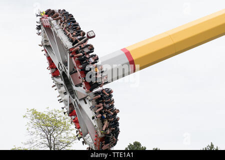 Psyclone is a 23 metres ride in canada wonderland, with seats facing outwards and rotate from a central pendulum - Stock Image