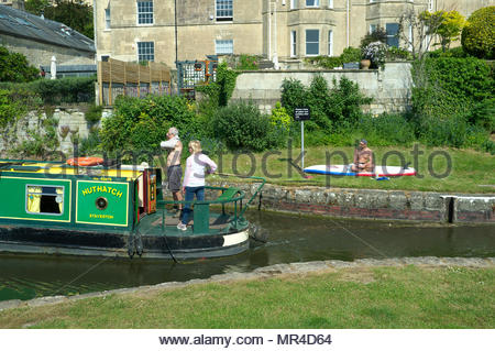 Kennet & Avon Canal - hot summer's day on the canal in Bath, UK. - Stock Image