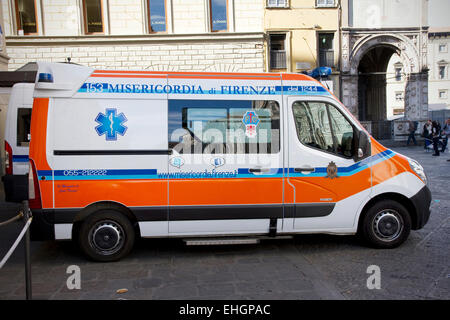 Misericordia di Firenze ambulance, Piazza del Duomo, city centre, Florence, Tuscany, Italy. - Stock Image