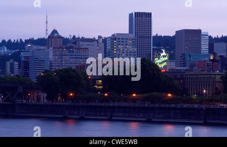 Portland Oregon across the Willamette River at Dusk - Stock Image