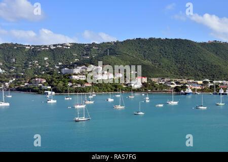 Scenic coastline and sailboats near St Thomas, US Virgin Islands - Stock Image