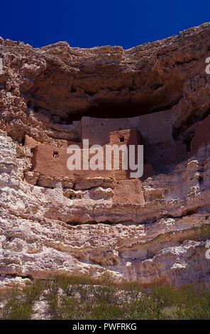 Cave dwellings at the Montezuma Castle National Monument, Camp Verde, Arizona, USA - Stock Image